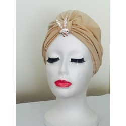 Turbante Beige con broche